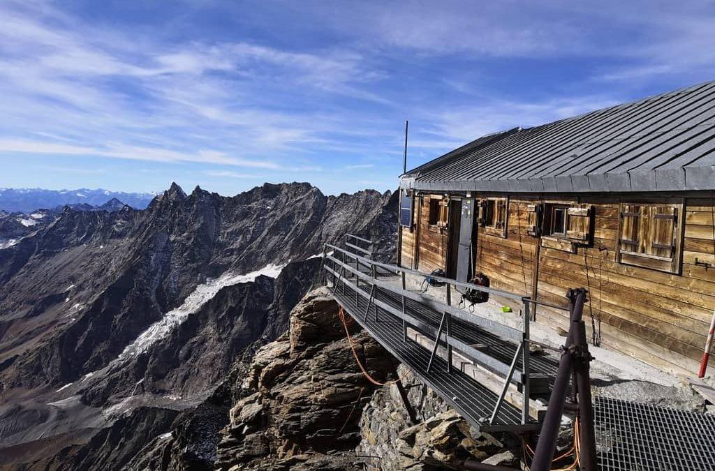 Summer 2020 : booking the Carrel Hut